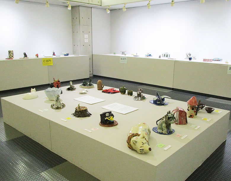 The 13th Pottery Exhibition by the Mashiko Elementary, Junior High, and High Schools